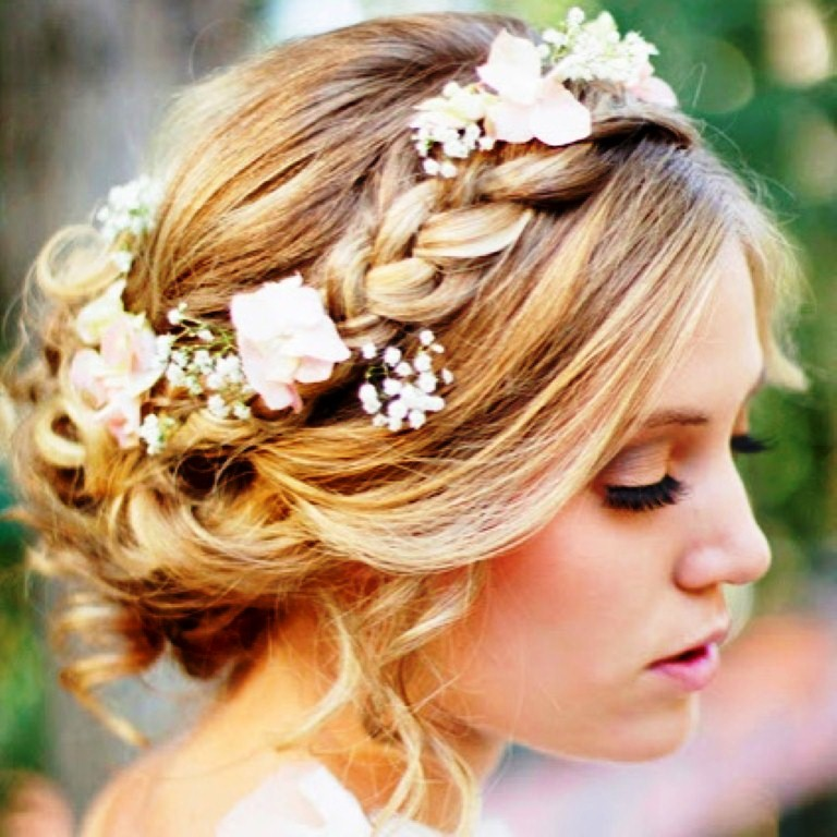 Short-Hair-Styles-for-Weddings