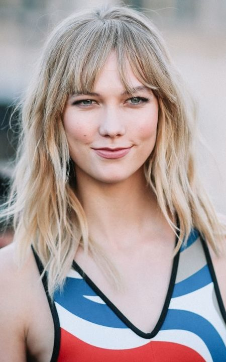 Karlie-Kloss-ash-blonde-hair-color-450x720