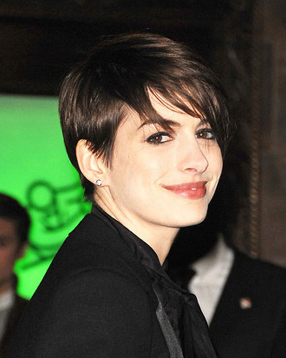 Pixie-Short-Haircuts-and-Hairstyle-ideas-from-Celebrity-Ladies-1