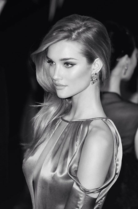 Rosie-Huntington-Straight-Hair