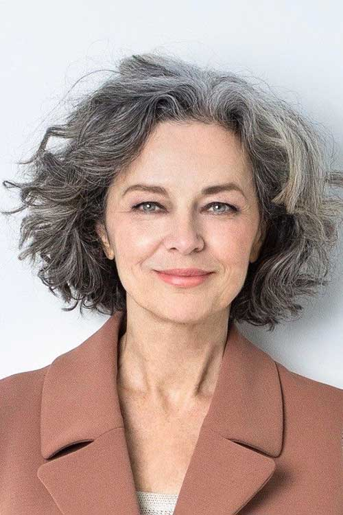 short-hairstyles-for-older-women-2017-002