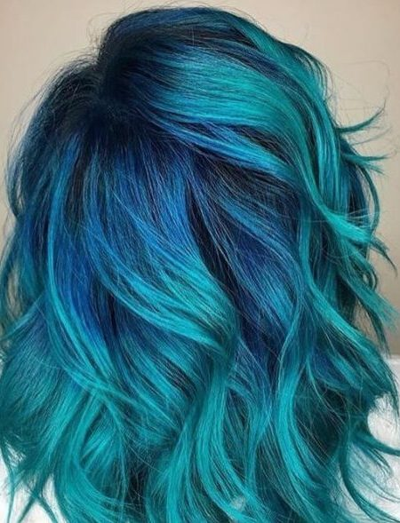 teal-hair-color-450x589