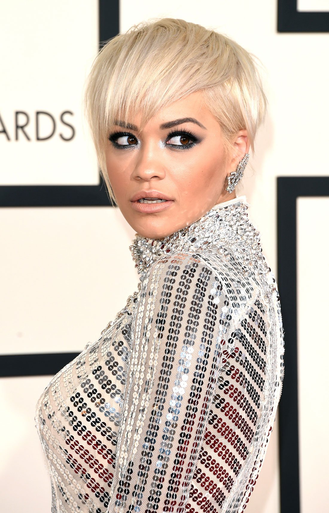Rita Ora blonde pixie hairucts