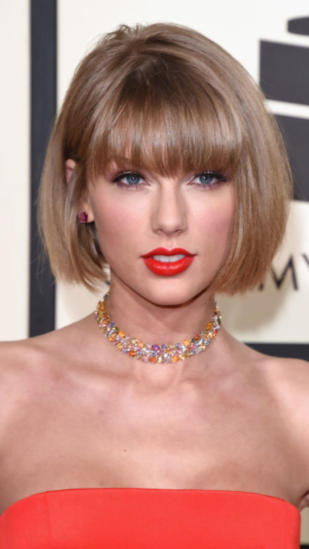 Taylor-Swift-bang-bob-haircut-2017-450x800