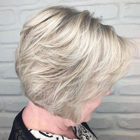 Coupes de Layer, Blond Bob Layered Pixie