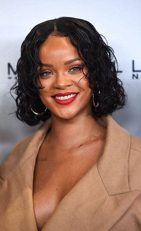 Rihanna Curly Women Wig