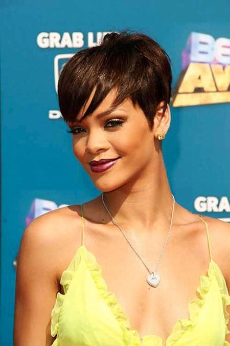 Pixie Court Rihanna Perruque