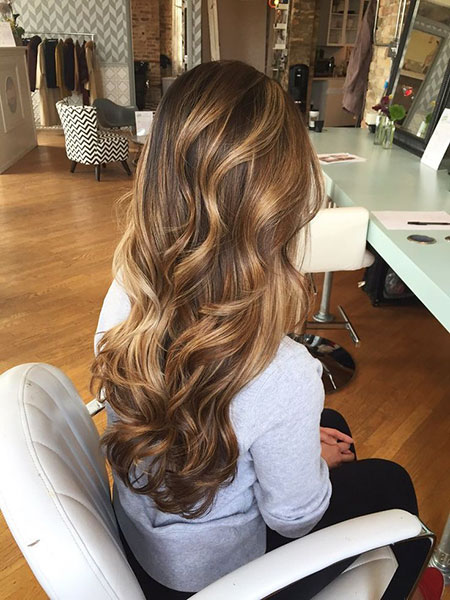 Highlights cheveux bruns, Highlights Balayage couleur cheveux