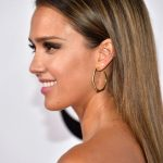 Jessica-Alba-sleek-hairstyle-2017