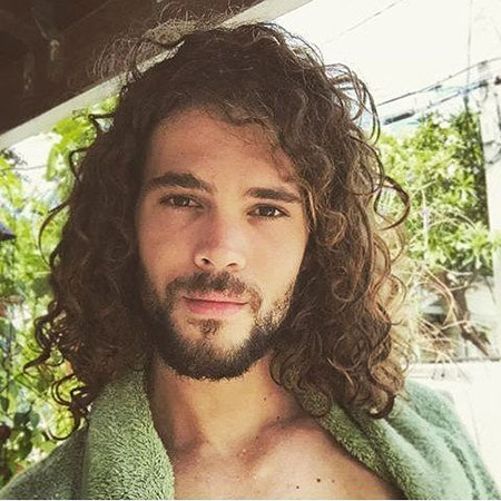7-Men-Long-Curly-Hairstyle-2017112961