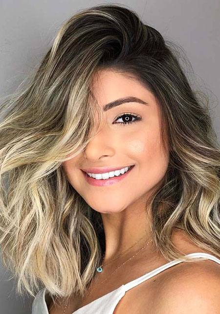 Balayage cheveux courts, maquillage couleur Balayage