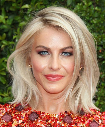 Julianne Hough, Cheveux Blonds Longueur moyenne